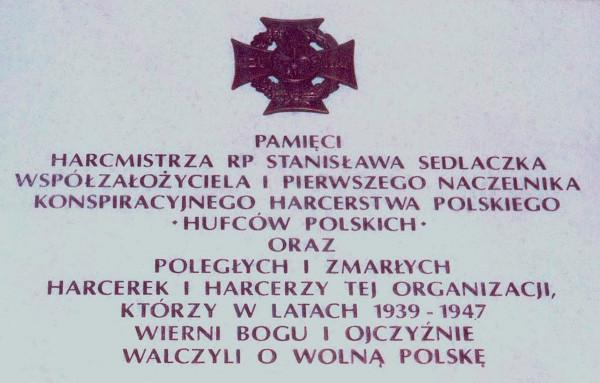 Tablica pamiątkowa hm RP Stanisława Sedlaczka i HP